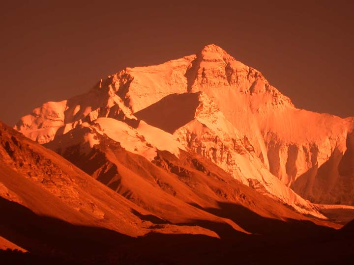 http://www.theorientalcaravan.com/images/Sakya/Everest%20copy.JPG